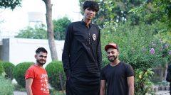 نوجوان ۲.۵ متری که غول پاکستان لقب گرفته است