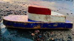قصه حیرتانگیز قایقی که پس از ۲۷ سال به ساحل رسید