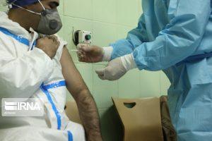 آغاز واکسیناسیون ۱۹ هزار پرسنل بهداشت و درمان دانشگاه علوم پزشکی اهواز