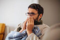 افراد دارای علائم سرماخوردگی برای واکسیناسیون کرونا اقدام نکنند
